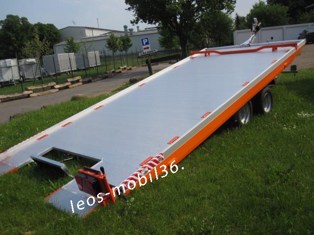 Vezeko Imola 35.47 geschlossener Aluboden 3500 kg mit Winde 4.74 x 2.09 Seilwinde Universal Auto Transporter Trailer Hochlader Überlader verstellbarer Radstopper